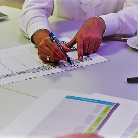 Workshop-Teilnehmer erarbeiten neue KI-Geschäftsmodelle